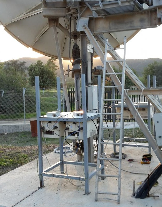 Noorsat Cyprus: Werkplek bij zonsondergang..