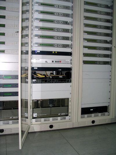 UPC? Ziggo:Barix Exstreamer met +6 dB sym. uitgangen.